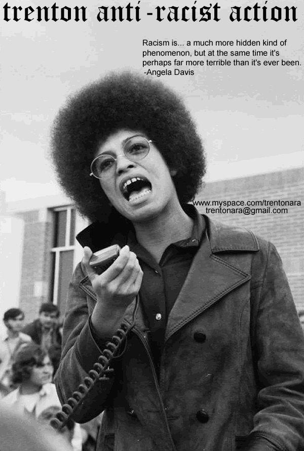angela davis protesting racism