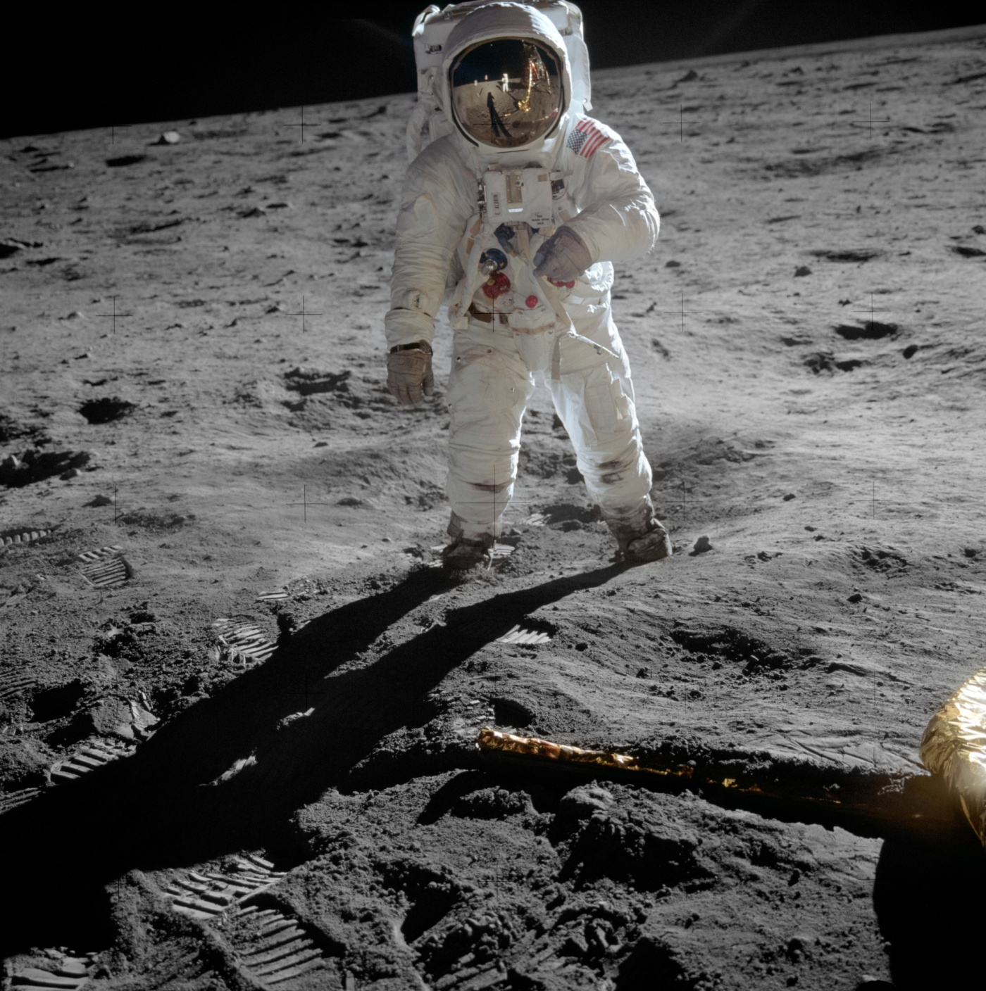 aldrin_apollo_11_original-smaller